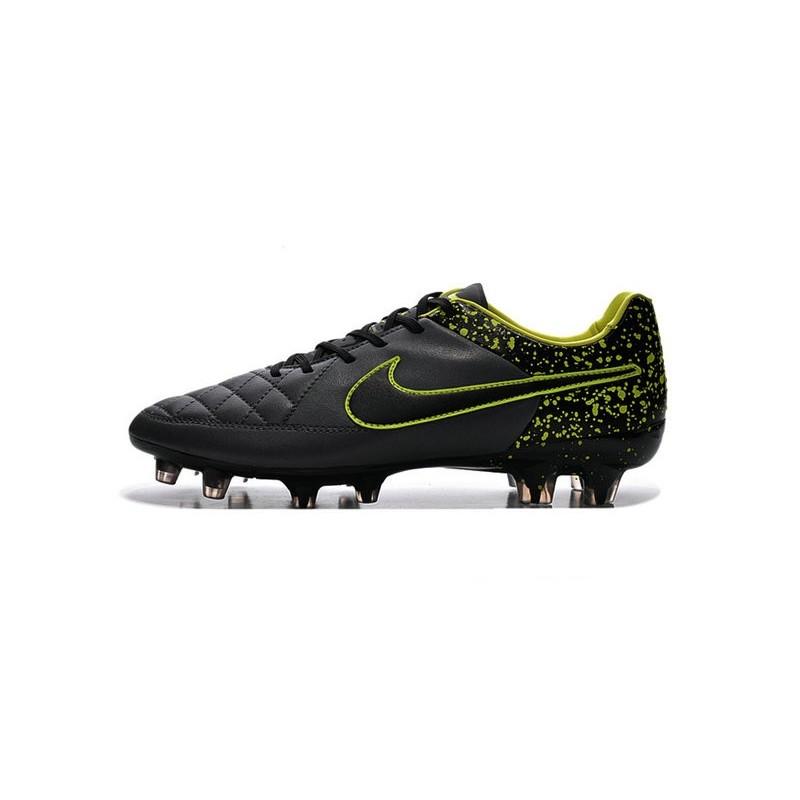 scarpe da calcio nike miste
