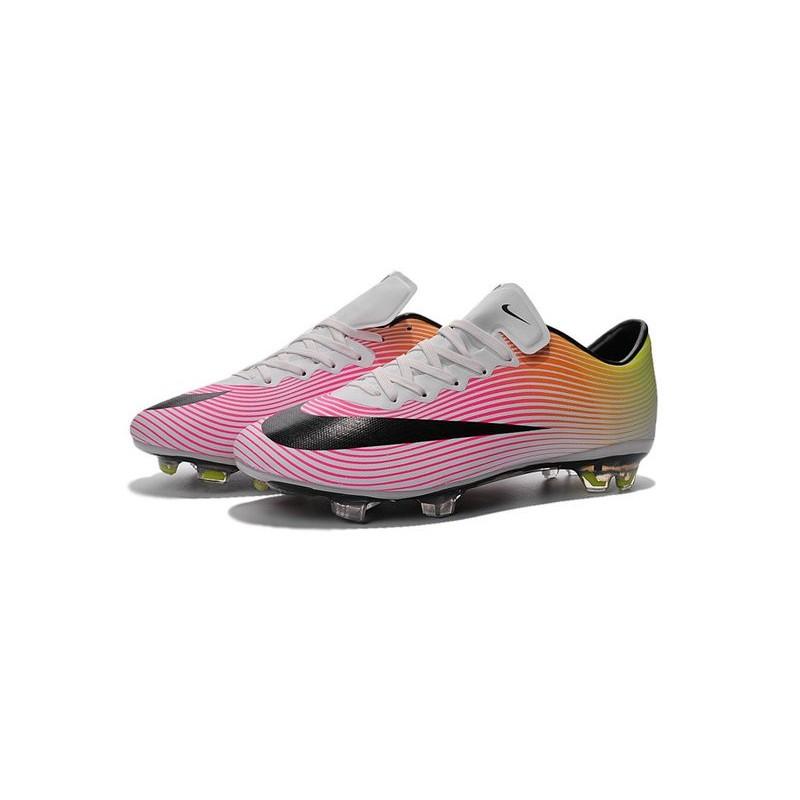 scarpe nike bianche da calcio