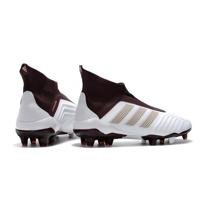 scarpe da calcio adidas predator Marrone