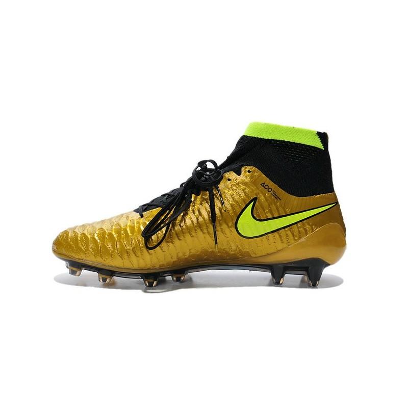 scarpe da calcio nike tacchetti piccoli