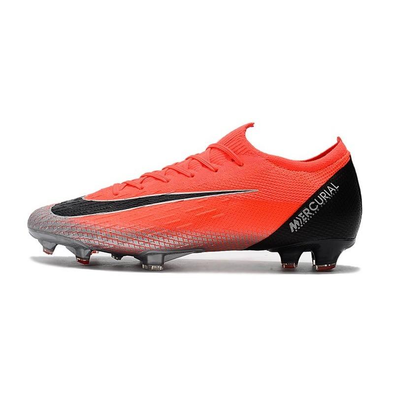 scarpe da calcio di cr7 argento